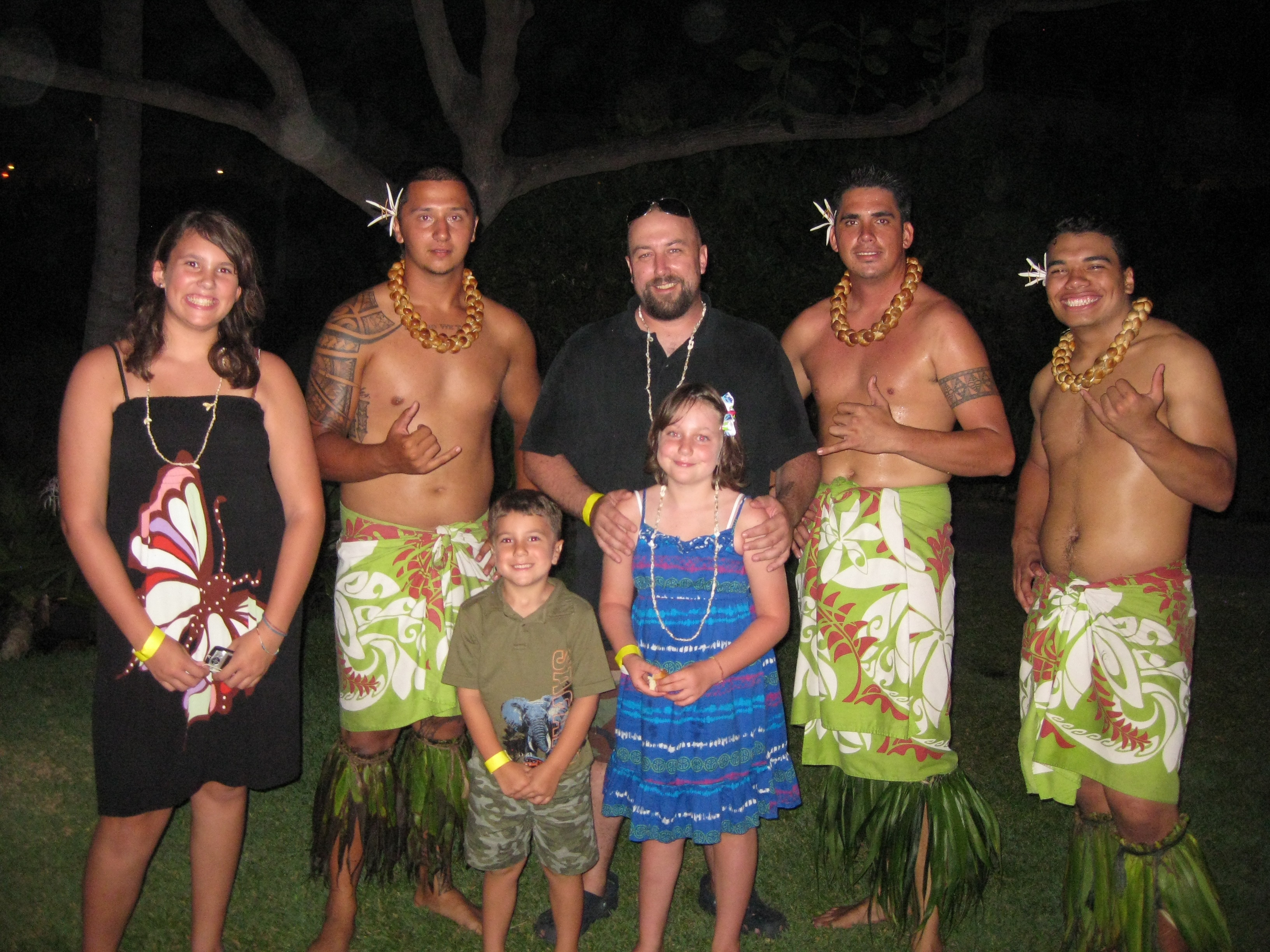 hawi men Shop for men's hawaiian clothing made in hawaii at shaka time hawaii clothing store large selection of men's shirts hawaiian style, aloha apparel and island wear.